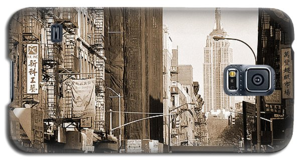 Vintage Chinatown And Empire State Galaxy S5 Case