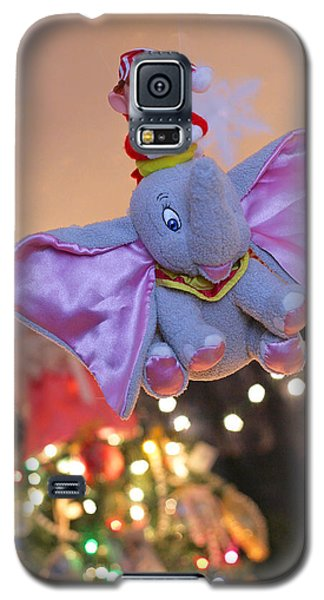 Vintage Christmas Elf Flying With Dumbo Galaxy S5 Case by Barbara West