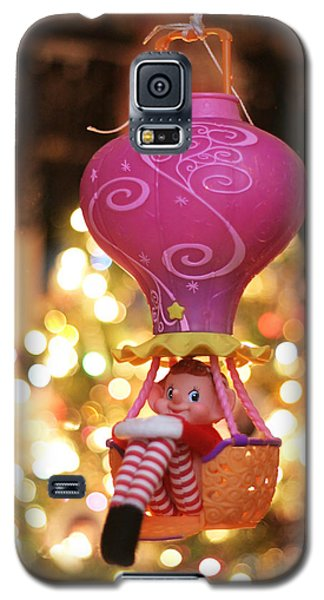 Vintage Christmas Elf Hot Air Balloon Ride Galaxy S5 Case by Barbara West