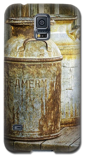 Vintage Creamery Cans In 1880 Town In South Dakota Galaxy S5 Case