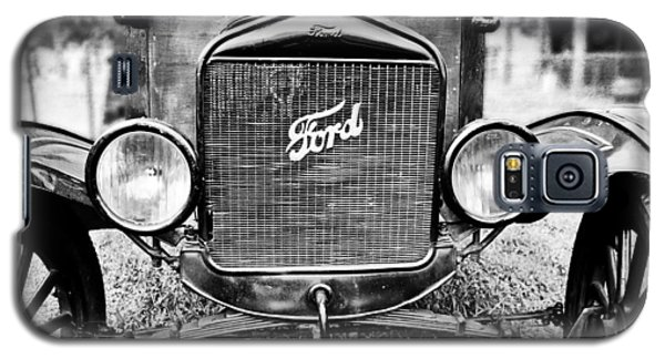 Vintage Ford In Black And White Galaxy S5 Case by Colleen Kammerer