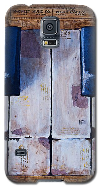 Galaxy S5 Case featuring the mixed media Vintage Keys by Melissa Sherbon