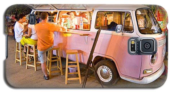 Vintage Pink Volkswagen Bus Galaxy S5 Case by Luciano Mortula
