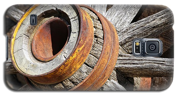 Galaxy S5 Case featuring the photograph Vintage Rustic Wagon Wheel 1 by Lincoln Rogers