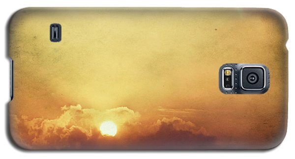 Galaxy S5 Case featuring the photograph Vintage Sunset by Mohamed Elkhamisy