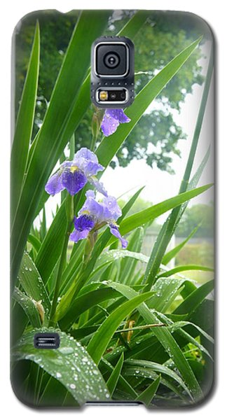 Galaxy S5 Case featuring the photograph Iris With Dew by Laurie Perry