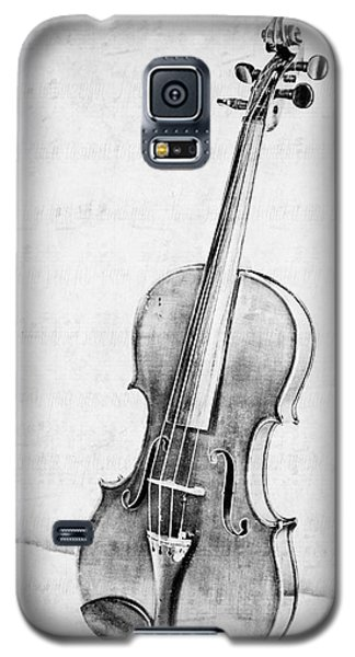 Violin Galaxy S5 Case - Violin In Black And White by Emily Kay