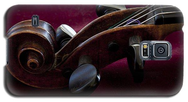Violin On Deep Red Galaxy S5 Case