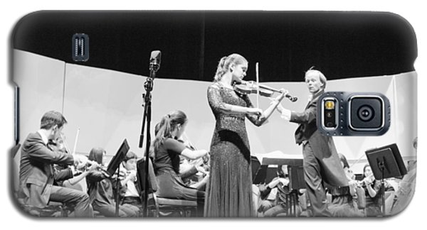 Galaxy S5 Case featuring the photograph Violin Solo Sdys by Hugh Smith