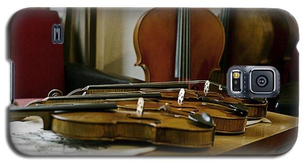 Music Galaxy S5 Case - Violins by Urte Berteskaite