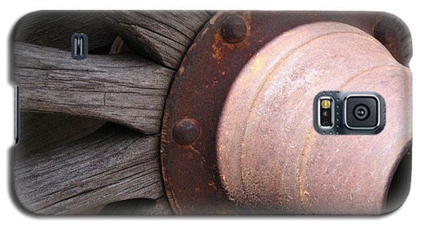 Galaxy S5 Case featuring the photograph Wagon Wheel by Diane Alexander