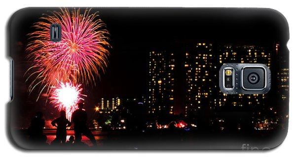 Waikiki Fireworks Galaxy S5 Case by Kristine Merc