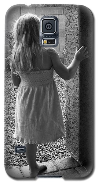 Galaxy S5 Case featuring the photograph Waiting For The Rain To End  by Lucinda Walter