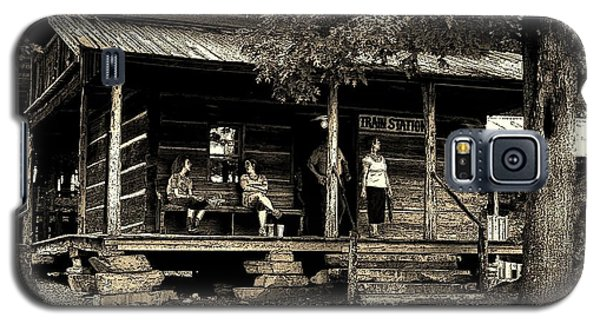 Galaxy S5 Case featuring the photograph Waiting For The Train by B Wayne Mullins