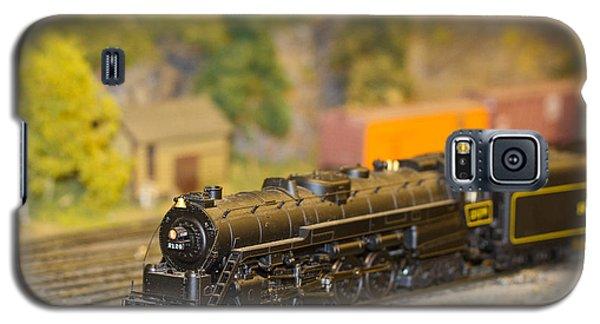 Galaxy S5 Case featuring the photograph Waiting Model Train  by Patrice Zinck