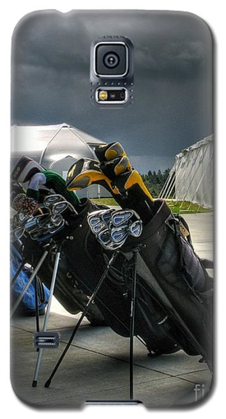 Waiting Out The Rain - Chambers Bay Golf Course Galaxy S5 Case by Chris Anderson