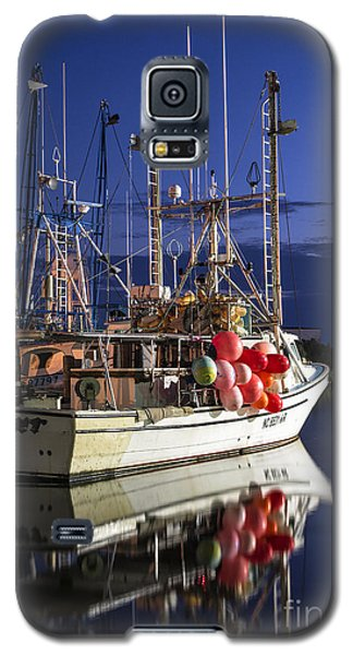 Galaxy S5 Case featuring the photograph Waiting To Fish by Terry Rowe