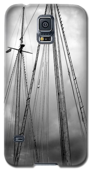 Galaxy S5 Case featuring the photograph Waiting To Sail by Ellen Tully