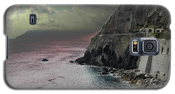 Galaxy S5 Case featuring the photograph Walk Of Love Riomaggiore by Natalie Ortiz