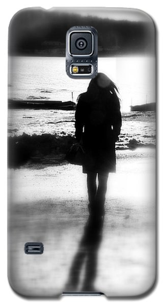 Walking Alone Galaxy S5 Case by Valentino Visentini