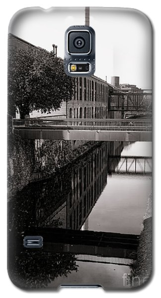 Washington D.c Galaxy S5 Case - Walking Along The C And O by Olivier Le Queinec