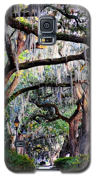 Walking In Forsyth Park Galaxy S5 Case