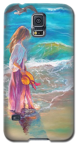 Walking In The Waves Galaxy S5 Case by Karen Kennedy Chatham