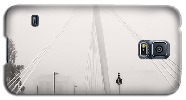 Walking Through The Mist Galaxy S5 Case