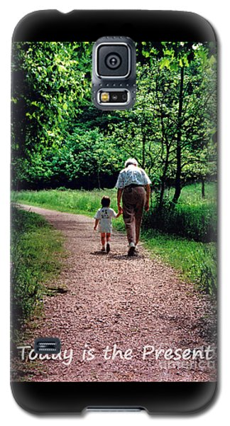 Walking With Grandma Galaxy S5 Case
