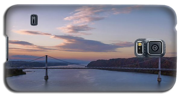 Walkway Over The Hudson Dawn Galaxy S5 Case by Joan Carroll