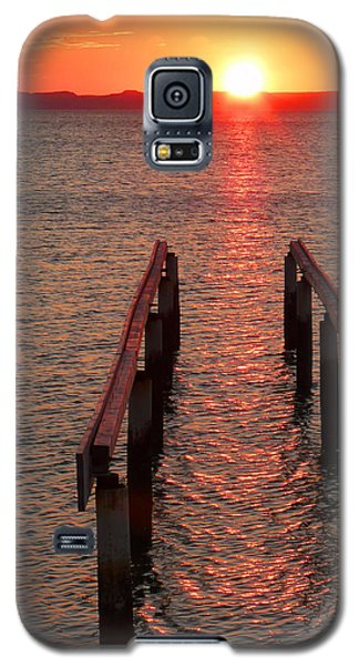 Galaxy S5 Case featuring the photograph Walkway To The Sun by Alan Socolik
