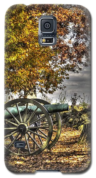 Galaxy S5 Case featuring the photograph War Thunder - Aonv The Purcell Artillery Mcgraw's Battery-a1 West Confederate Ave Gettysburg by Michael Mazaika