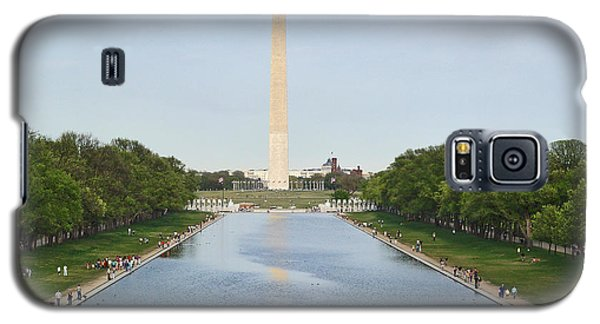 Galaxy S5 Case featuring the photograph Washington Monument 1 by Tom Doud
