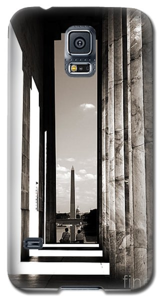 Galaxy S5 Case featuring the photograph Washington Monument by Angela DeFrias