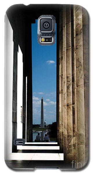 Galaxy S5 Case featuring the photograph Washington Monument Color by Angela DeFrias