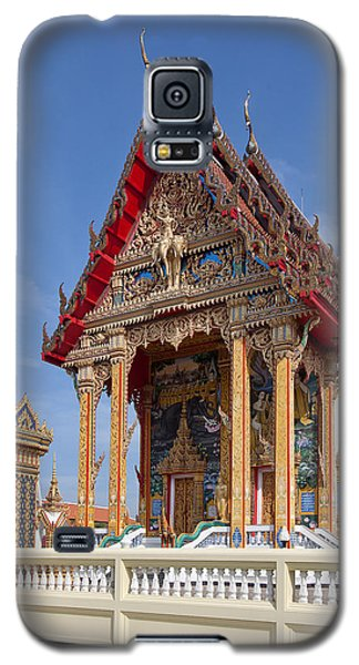 Galaxy S5 Case featuring the photograph Wat Choeng Thalay Ordination Hall Dthp138 by Gerry Gantt