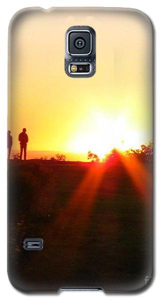 Watching The Sunrise Galaxy S5 Case