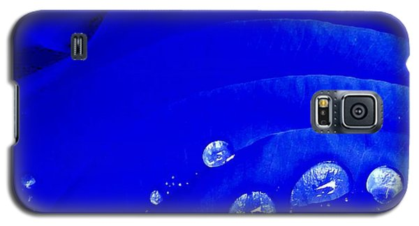 Water Droplets  Galaxy S5 Case by Carolyn Repka