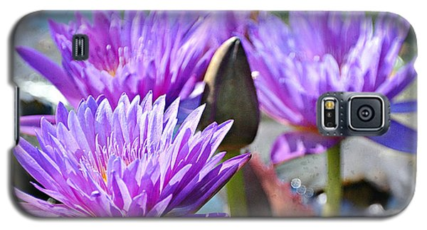 Galaxy S5 Case featuring the photograph Water Flower 1006 by Marty Koch