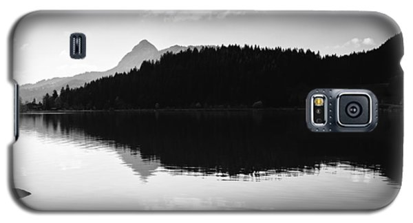 Water Reflection Black And White Galaxy S5 Case by Matthias Hauser
