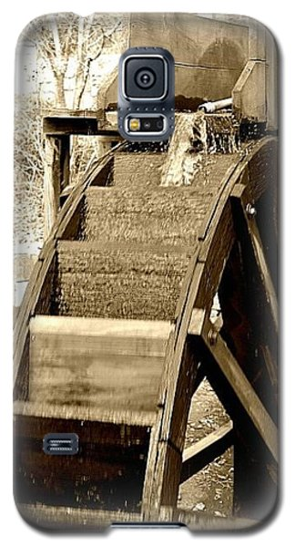 Galaxy S5 Case featuring the photograph Water Wheel by Tara Potts