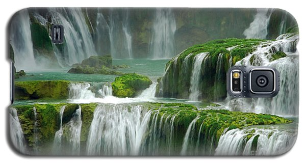 Waterfall In Green Galaxy S5 Case by Charline Xia
