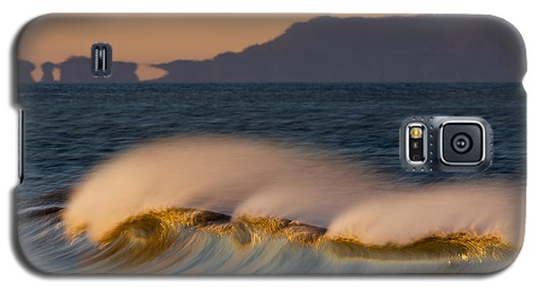 Galaxy S5 Case featuring the photograph Wave And Island 73a5281 by David Orias