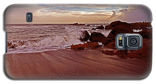 Waves Break Hands Shake Galaxy S5 Case by Lydia Holly