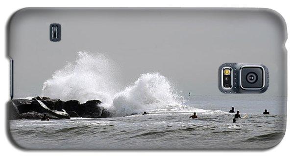 Waves Crash Against Beach 91st Jetty Galaxy S5 Case by Maureen E Ritter