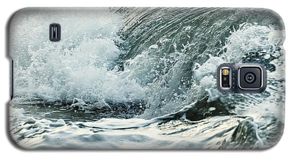 Waves In Stormy Ocean Galaxy S5 Case