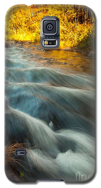 Waves In The River Galaxy S5 Case by Iris Greenwell