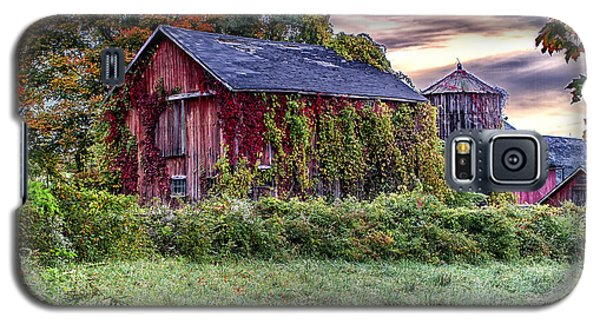 Weathered Connecticut Barn Galaxy S5 Case