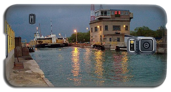 Galaxy S5 Case featuring the photograph Welland Canal Locks by Barbara McDevitt