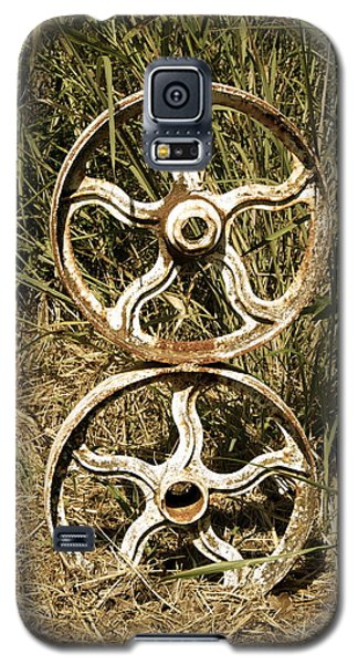 Galaxy S5 Case featuring the photograph Wheels Of Time by Roseann Errigo
